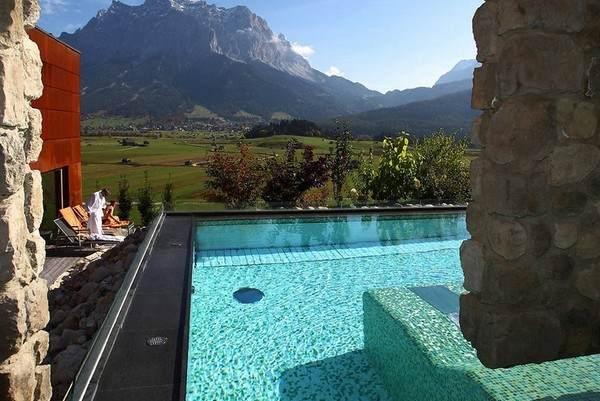 Pool des Hotel Mohr Life Resort in Lermoo