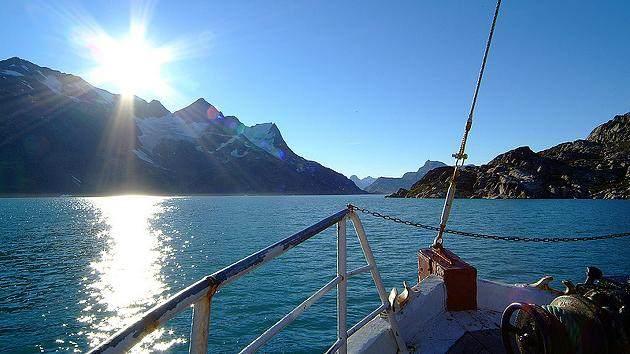 7.Na Grenlandu i Aljasci je uvek ledeno hladno
