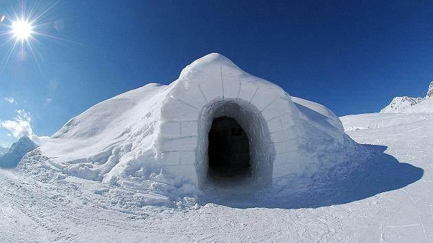 8.Eskimi žive u igloima