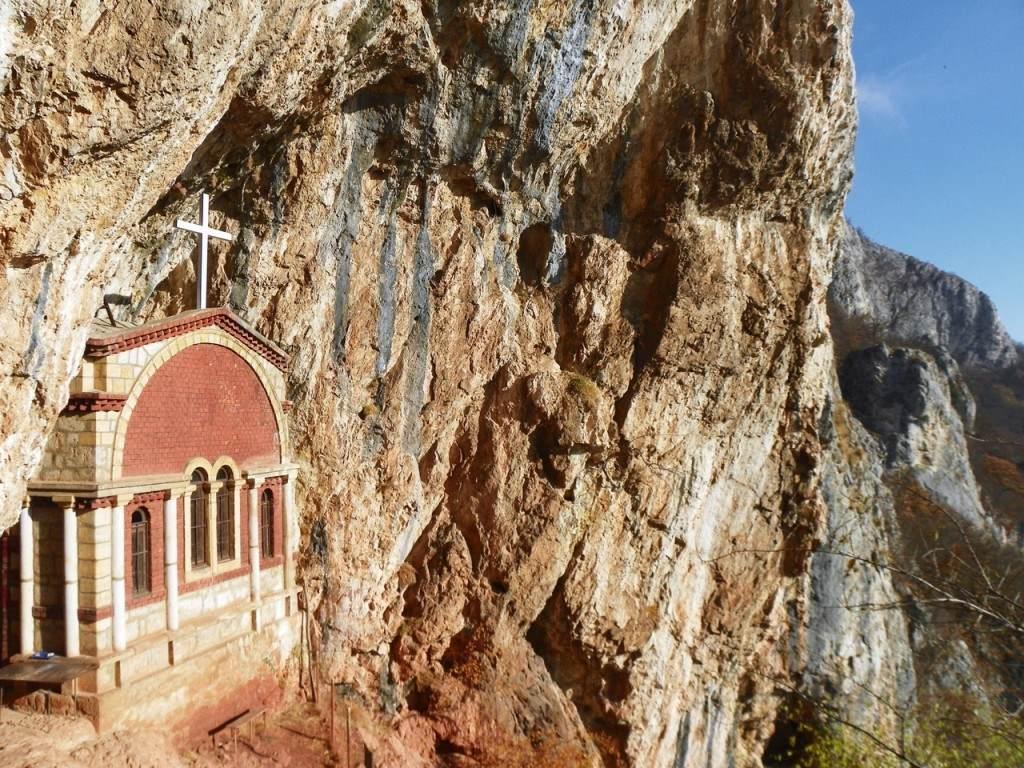 0008-crkva-svetog-save_savinje-na-planini-kablar