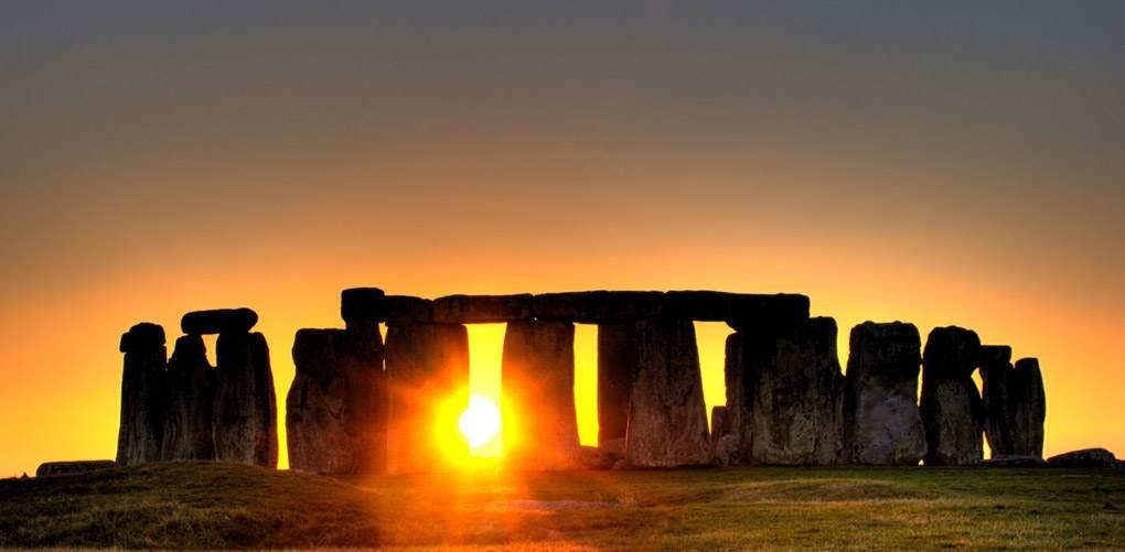 sunset_stonehenge