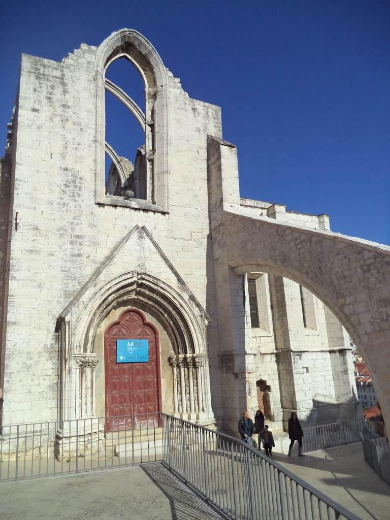 crkva bez krova Lisabon
